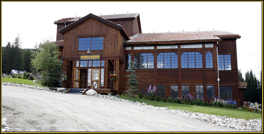 Ten Mile Station - The Wedding Facility