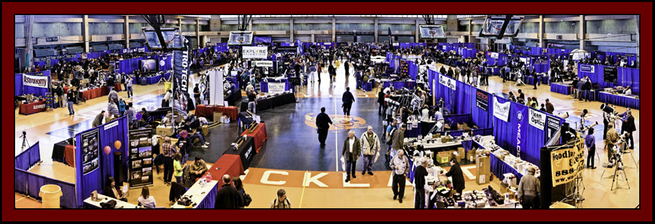 The Exposition Floor on Sunday - NEAF 2011